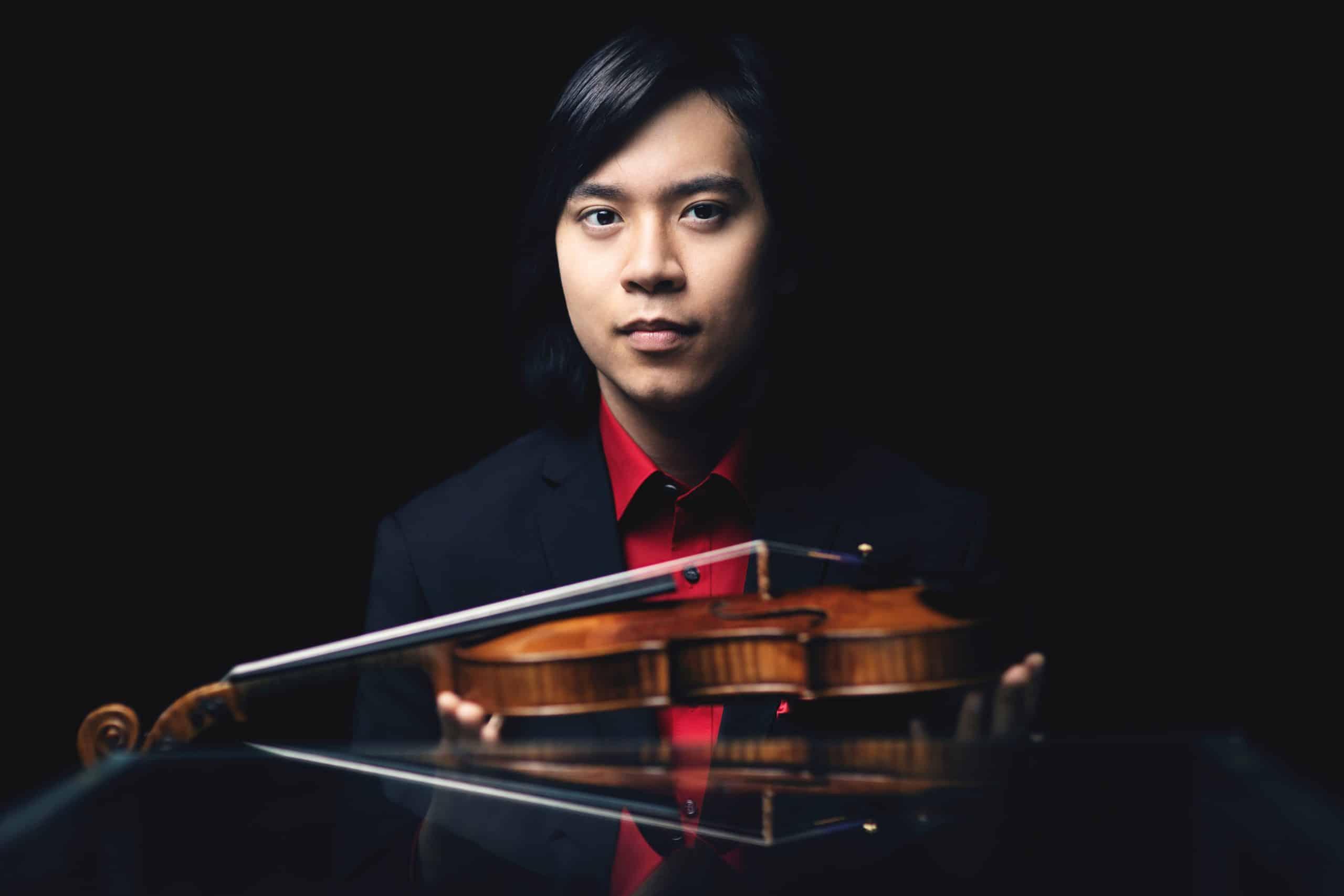 Elias David Moncado mit Violine Foto: Nikolai Lund
