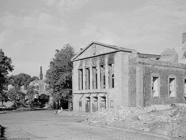 Hanau Schlossplatz nach der Marienstrasse geblickt 26.09.1945